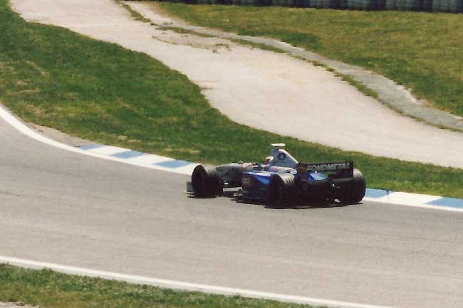 Shinji Nakano in the Minardi M198-Ford during 1998 Spanish Grand Prix