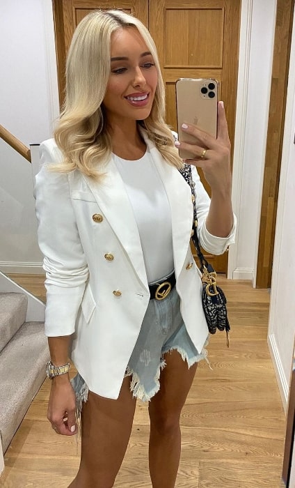 Amber Turner as seen while taking a mirror selfie in Chigwell, United Kingdom in July 2020