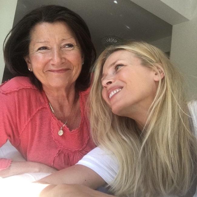Daniela Peštová (Right) as seen in a picture alongside her mother