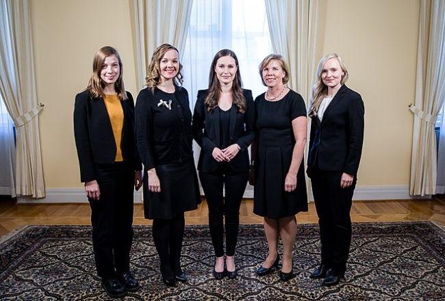 (From left to right) Li Andersson, Katri Kulmuni, Sanna Marin, Anna-Maja Henriksson, Maria Ohisalo