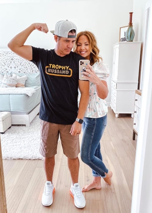 Gentry Mikesell as seen in a selfie taken with his wife Betsy in June 2020