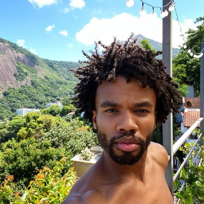 Luke Youngblood as seen while taking a selfie in Santa Teresa, Rio de Janeiro