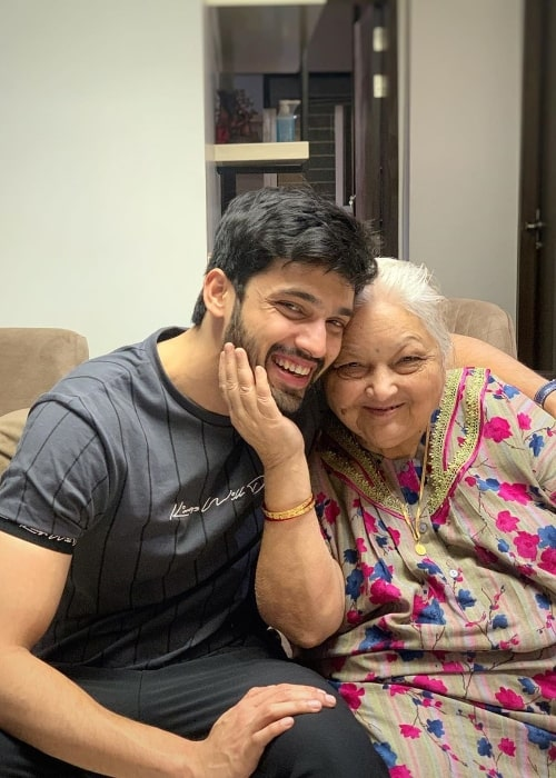 Parth Samthaan as seen while smiling in a picture along with his maternal grandmother in March 2020