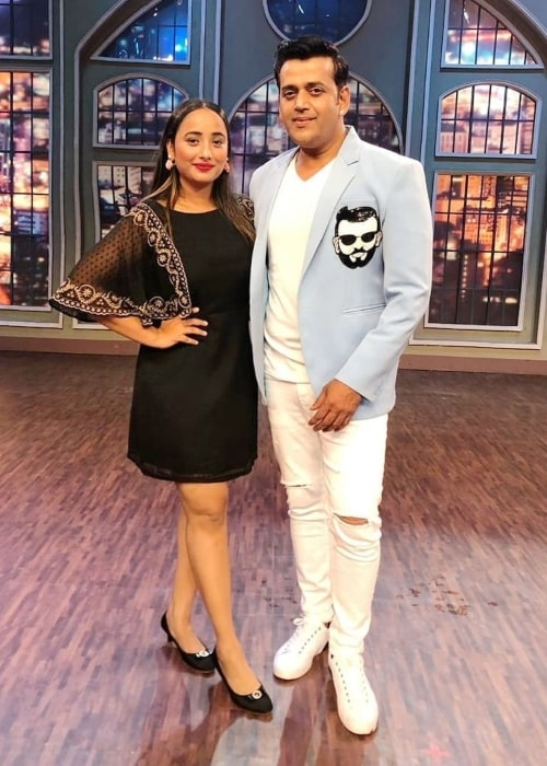 Rani Chatterjee as seen in a picture with fellow actor Ravi Kishan that she uploaded to her Instagram in July 2020