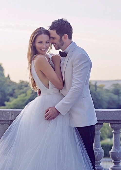 Ricki-Lee Coulter with her husband Richard in the past