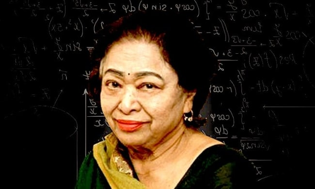 Shakuntala Devi smiling for a picture