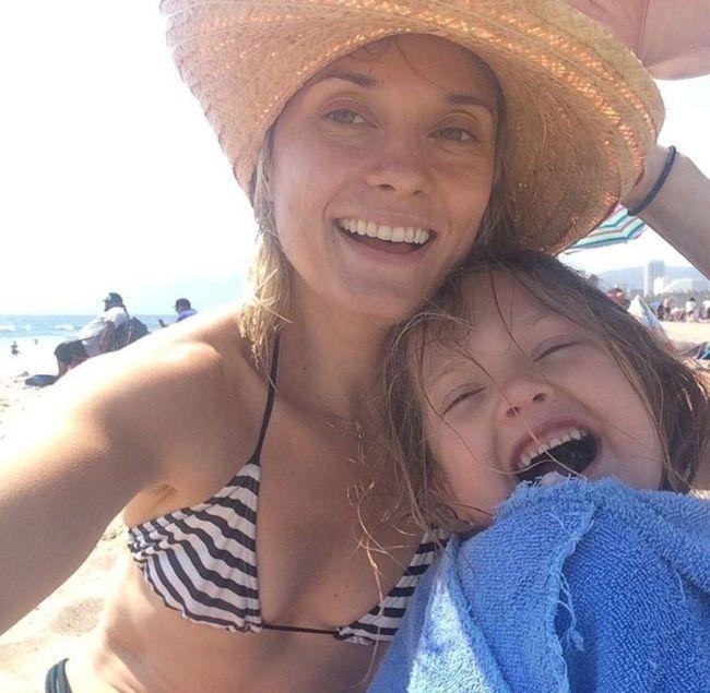 Spencer Grammer seen taking a selfie with her son Emmett