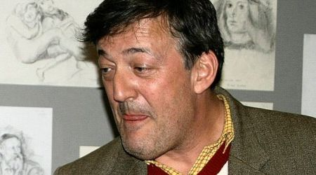 Stephen Fry Height, Weight, Age, Body Statistics
