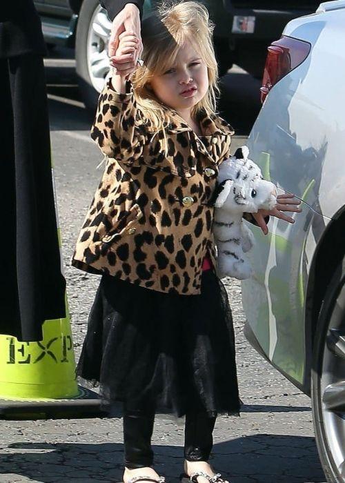 Vivienne Jolie-Pitt seen as a baby