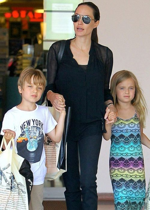 Vivienne as seen shopping with her mother and twin brother Knox