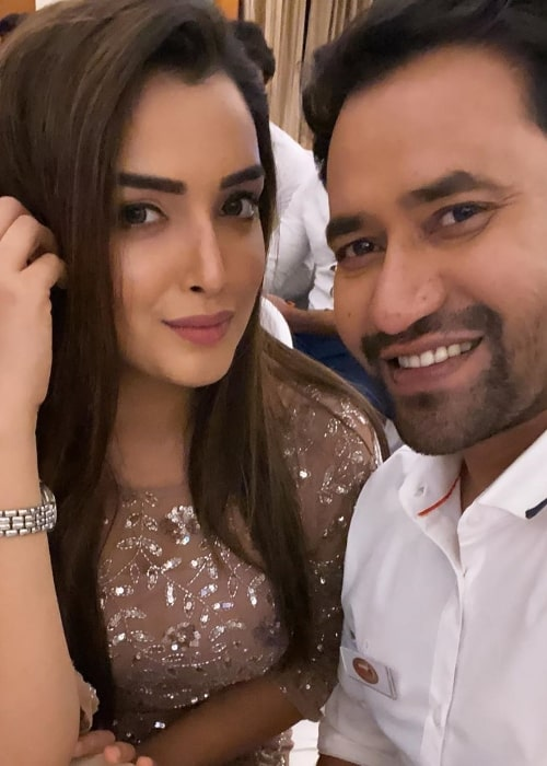 Amrapali Dubey as seen in a selfie along with Dinesh Lal Yadav