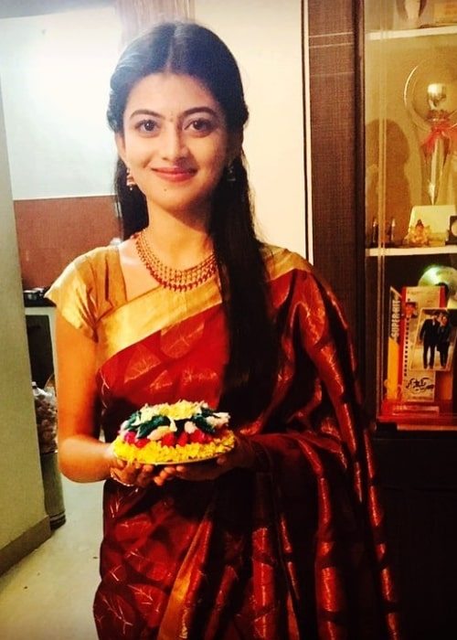 Anandhi as seen while smiling for a picture in October 2016