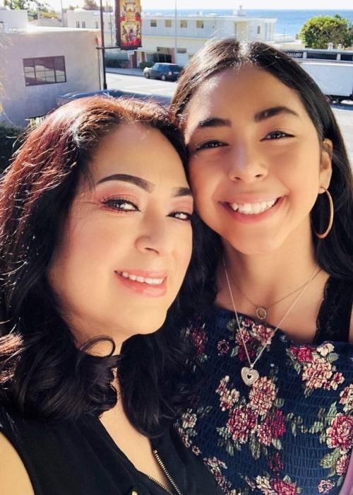 B2cutecupcakes as seen in a selfie that was taken in May 2019