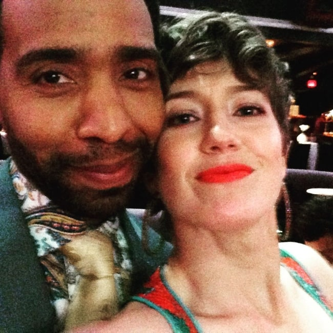 Carrie Coon clicking a selfie alongside Kevin Carroll in April 2017