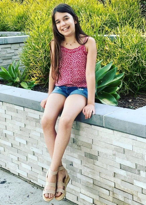 Emily TwoSistersToyStyle in a picture that was taken in Los Angeles, California in July 2020