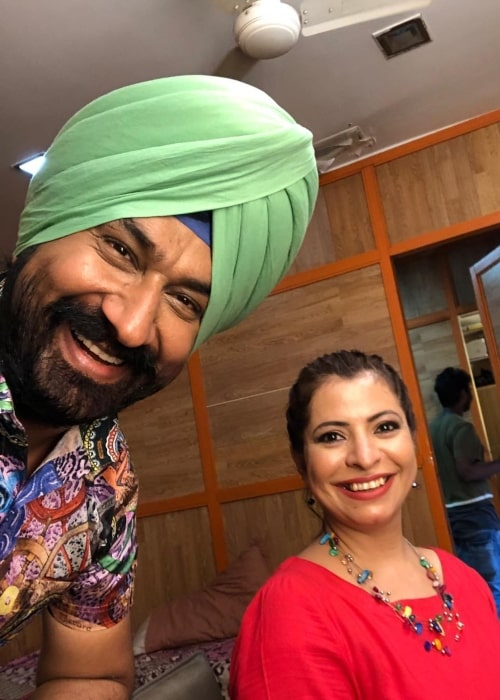 Gurucharan Singh as seen in a selfie that was taken with fellow actress Jennifer Mistry Bansiwal in November 2019