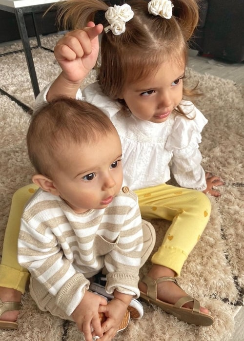 Harlow Barker as seen in a picture taken with her younger brother Lake in June 2020