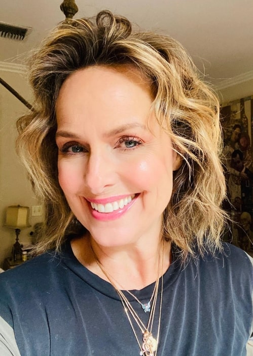 Melora Hardin sending love to everyone in April 2020