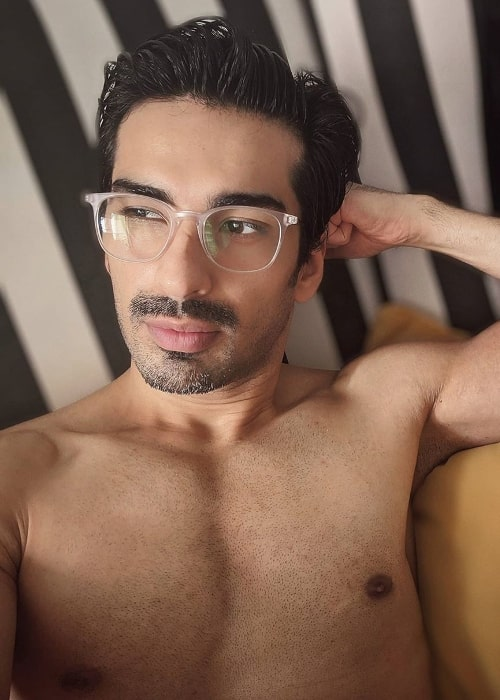 Mohit Sehgal as seen while taking a shirtless selfie in April 2020