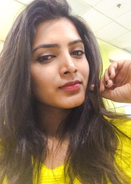 Pavani Gangireddy sharing her selfie in December 2016
