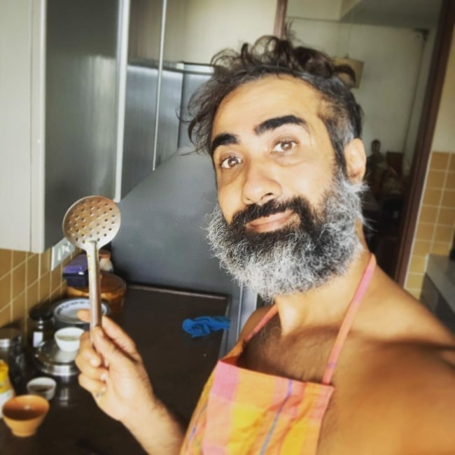 Ranvir Shorey as seen while taking a kitchen selfie in August 2020