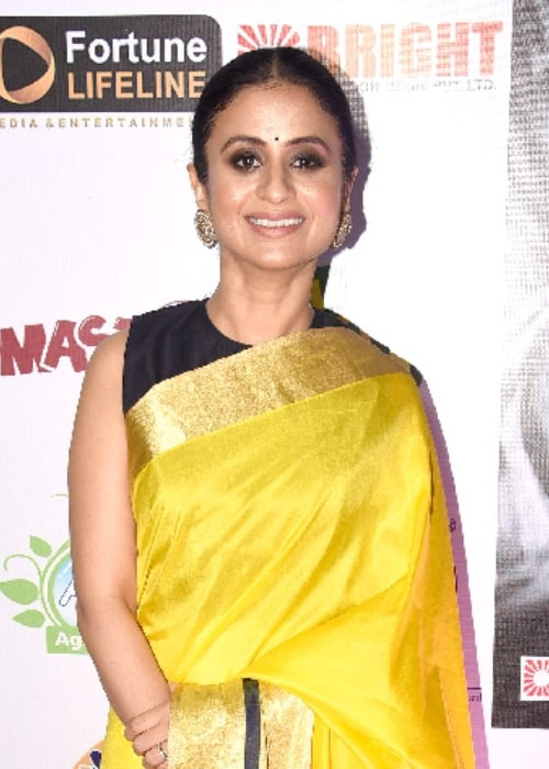 Rasika Dugal as seen while smiling for the camera at Dadasaheb Phalke Film Foundation Awards 2019