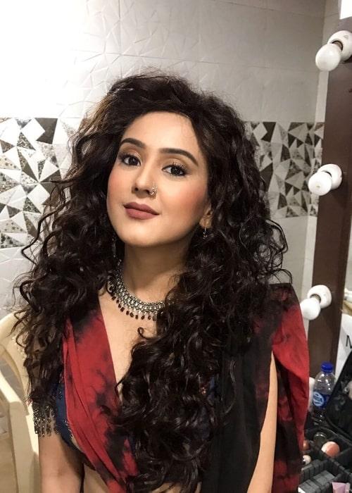 Riya Sharma as seen while smiling for a picture on the set of 'Maharaj Ki Jai Ho!' in Mumbai, Maharashtra