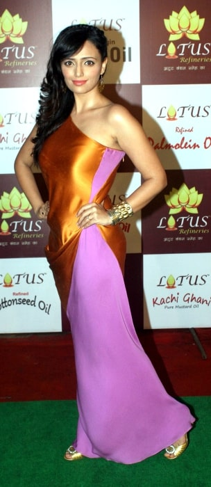 Roshni Chopra posing for the camera during an event in May 2012