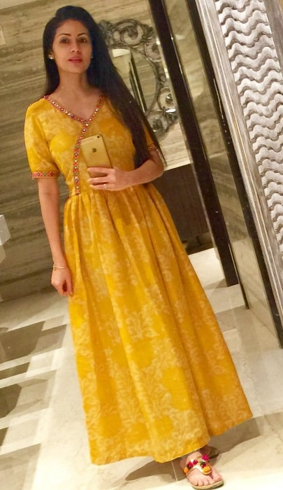 Sadha as seen while taking a mirror selfie in November 2018