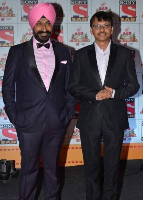 Shyam Pathak (Right) and Gurucharan Singh