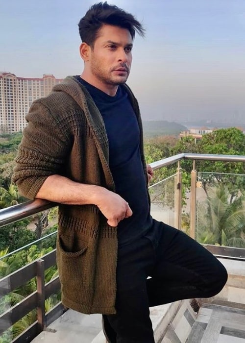 Sidharth Shukla posing for the camera in March 2020