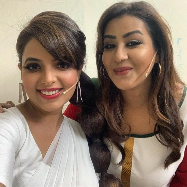 Sugandha Mishra (Left) clicking a selfie alongside Shilpa Shinde in Mumbai, Maharashtra