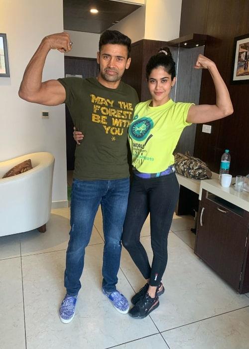 Aaditi Pohankar posing for a picture alongside Sangram Singh in September 2020