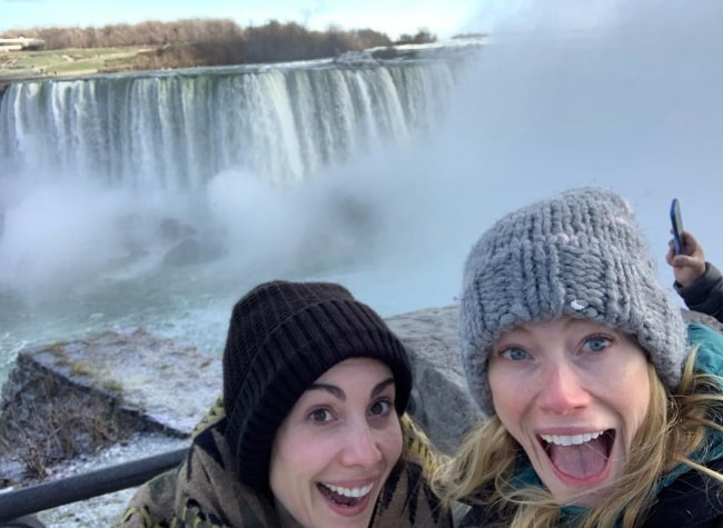 Alyssa Sutherland (Right) and her friend Carly P at Niagara Falls in Ontario, Canada in November 2018