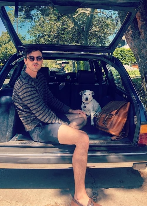 Blake Lee as seen in a picture that was taken with his dog in April 2019