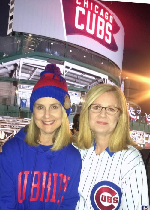 Bonnie Hunt with her younger sister Mary, as seen in June 2017