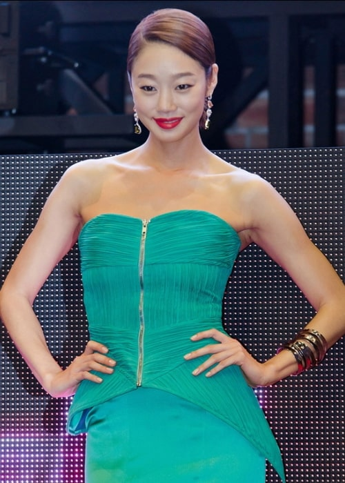 Choi Yeo-jin as seen while posing for the camera at 'I Need Romance' premiere in June 2011