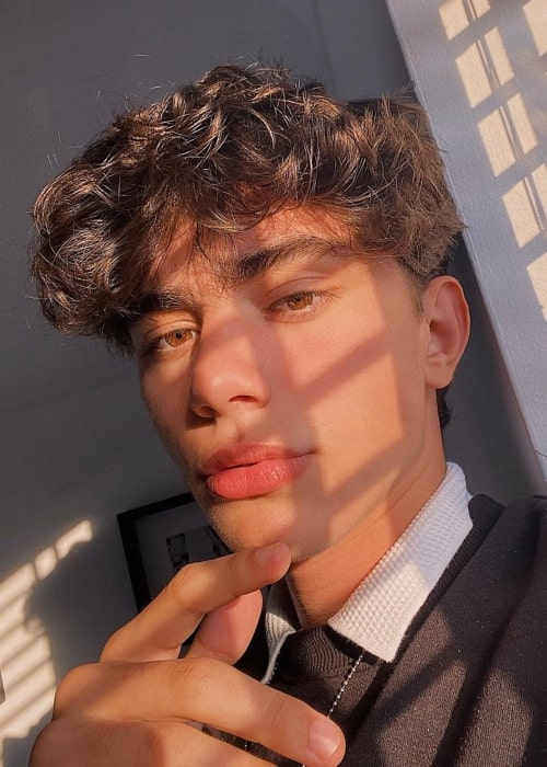 Josh Hewitt as seen in a selfie that was taken in the United Kingdom in June 2020