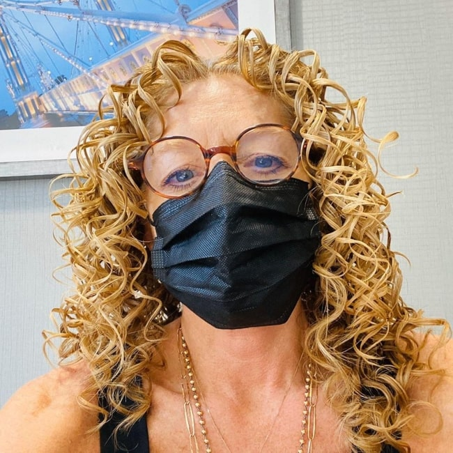 Kelly Hoppen in July 2020 flaunting her fashionable mask