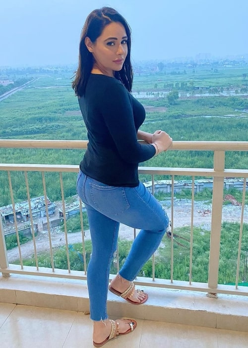 Mandy Takhar posing for a picture in July 2020