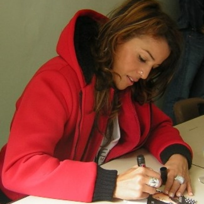 Nâdiya pictured while signing autographs in 2006