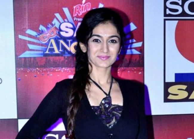 Neha Mehta as seen while posing for the camera at SAB Ke Anokhe Awards in August 2014