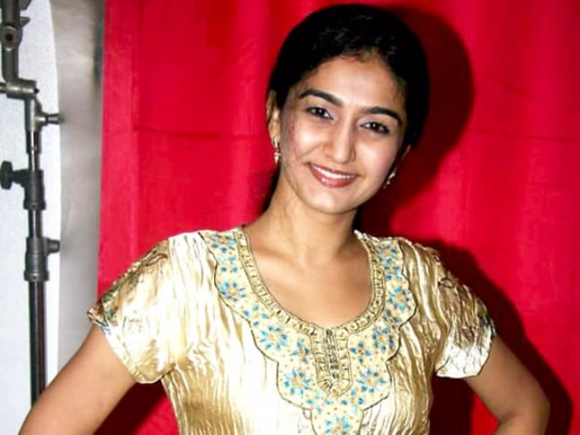 Neha Mehta pictured on the sets of Tarak Mehta Ka Ooltaah Chashmah in July 2011