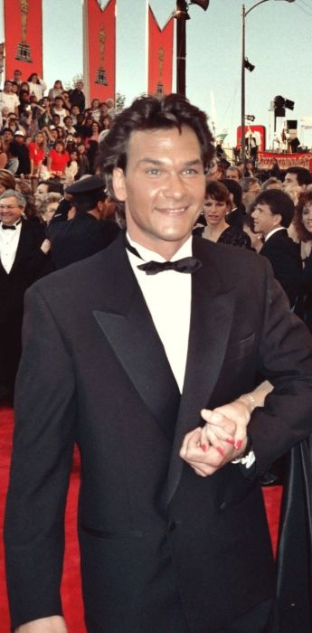 Patrick Swayze as seen on the red carpet of the Academy Awards in 1989
