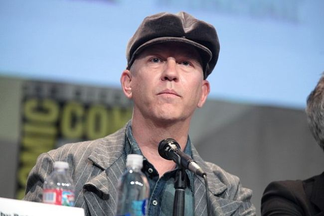 Ryan Murphy speaking at the San Diego Comic Con in 2015