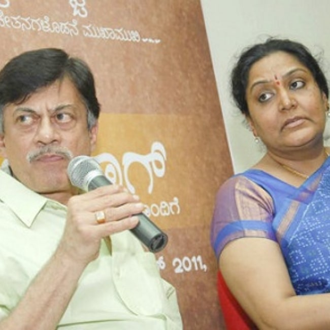 Anant Nag as seen in a picture that was taken with his wife Gayathri in the past