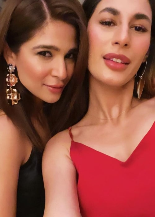 Ayesha Omer (Left) in a selfie with Fatima Hasan