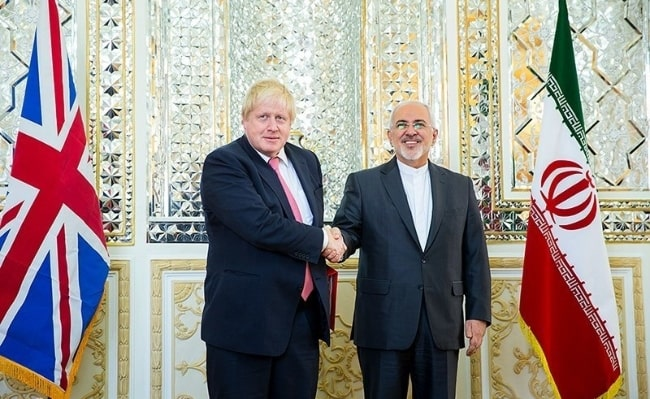 Boris Johnson (Left) meeting Iranian foreign minister Mohammad Javad Zarif in December 2017