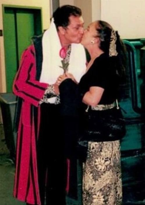 Engelbert Humperdinck with his wife in the past