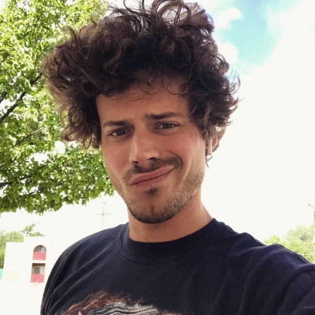 François Arnaud clicking a selfie in July 2018